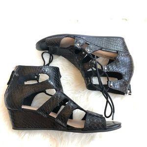 BELLA VITA | Black small wedge sandal
